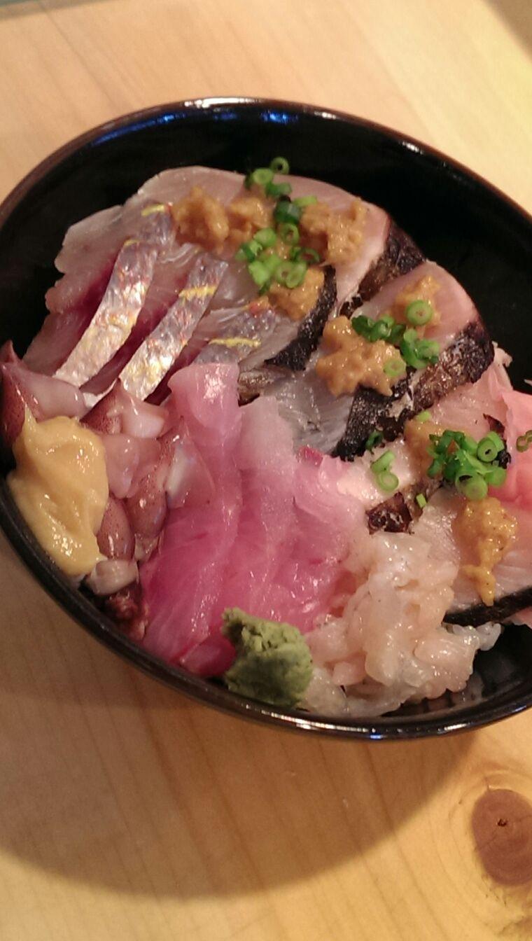 本日の地魚丼〜♪