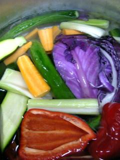 夏野菜のピクルス(製作中)